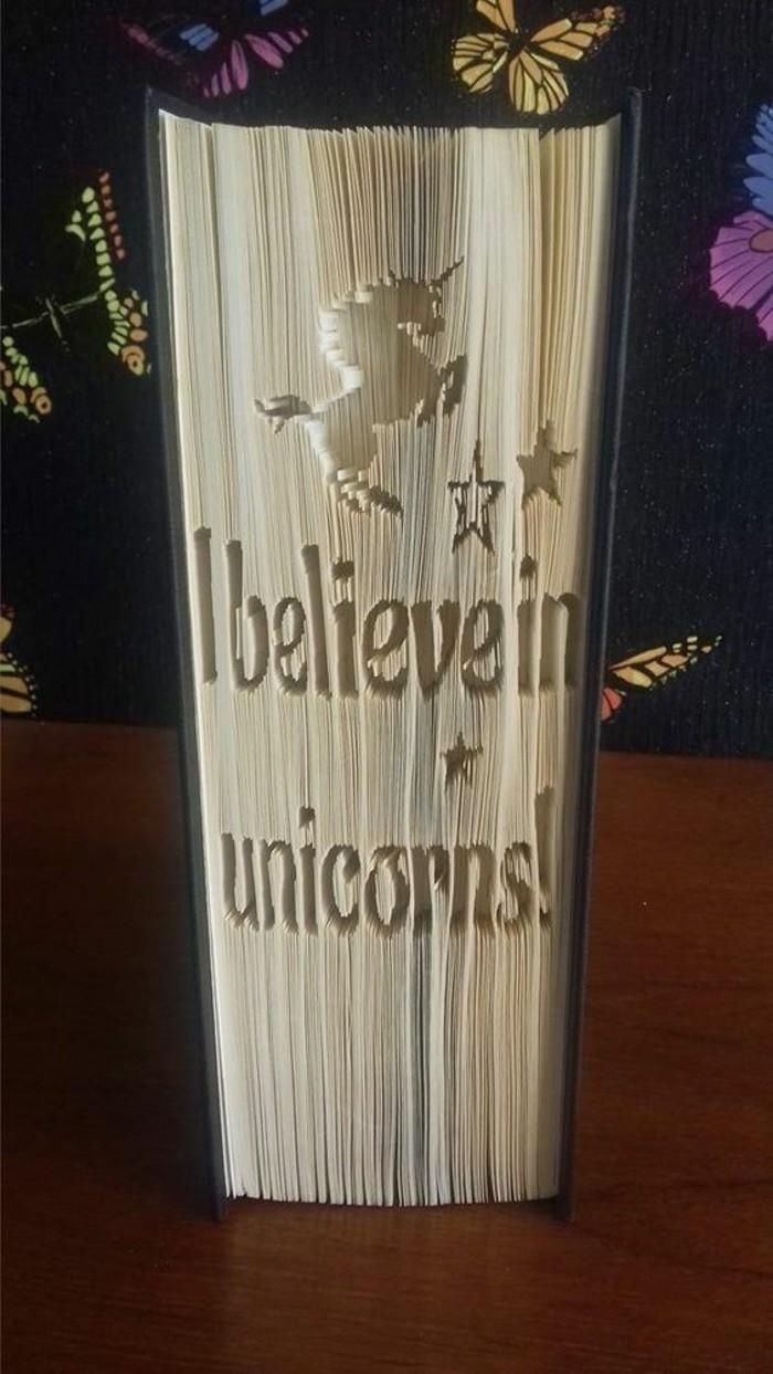 libro-origami-esempio-come-realizzare-scritte-disegni-originali-piegando-pagine-libro