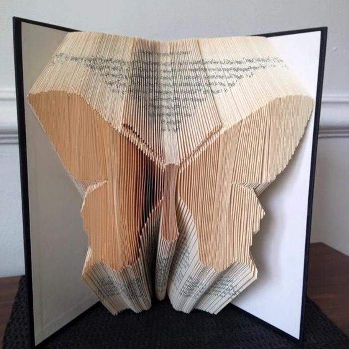libro-origami-nuova-forma-artistica-farfalla-ali-spiegate-realizzata-pagine