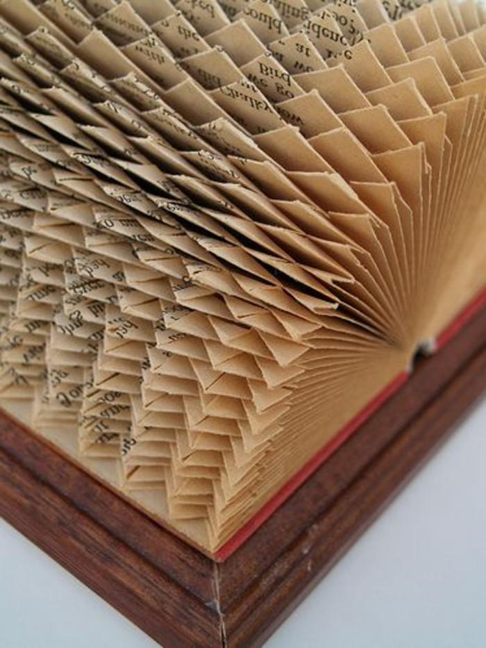 libro-piegato-focus-come-realizzare-nuova-tecnica-creando-tanti-triangoli-effetto-mare-increspato