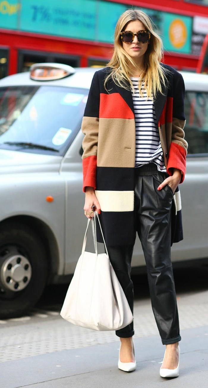 moda-autunno-2017-donna-cappotto-colorato-pantaloni-larghi-pelle-scarpe-eleganti-abbinate-borsa