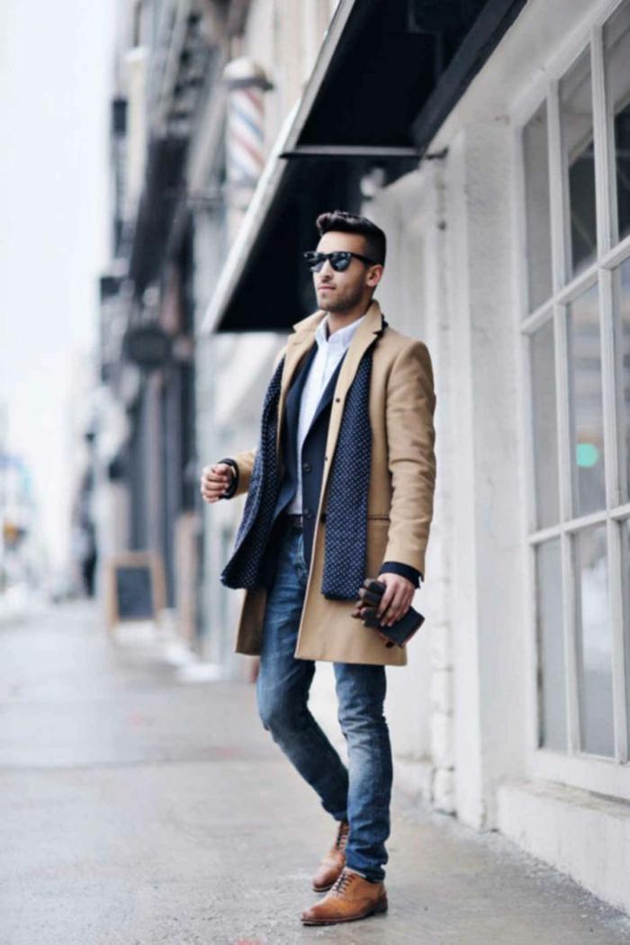 moda-uomo-casual-chic-elegante-sportivo-jeans-trench-camicia-scarpe-sciarpa-blu-occhiali-da-sole