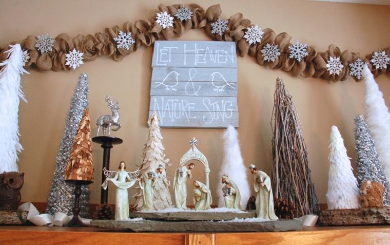 idea decorare la casa fai da te con una ghirlanda creta arricciando della stoffa grezza e applicando dei fiocchi di neve