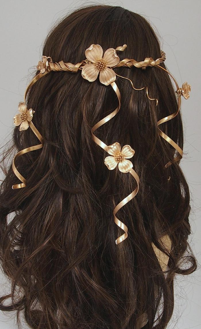 pettinature-medievali-femminili-capelli-lunghi-castano-scuri-decorazioni-fiori-nastri