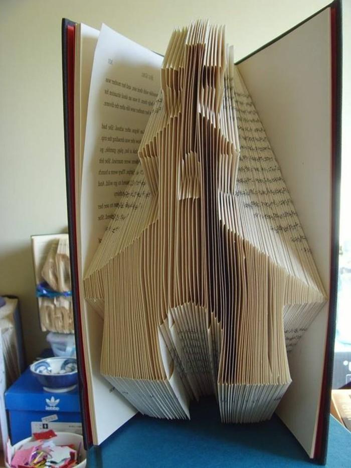 piegare-libri-un-esempio-come-creare-oggetti-belli-maniera-facile-creativa-come-una-chiesa