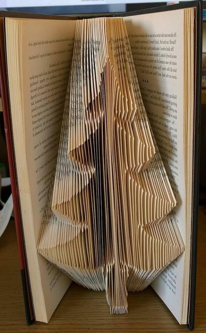piegare-pagine-libro-divertente-permette-creare-oggetti-graziosi-albero
