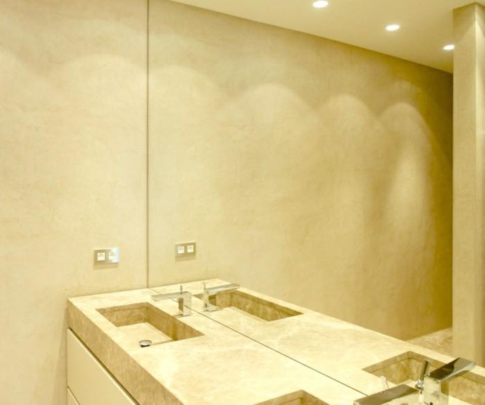 pittura-bagno-alternativa-piastrelle-color-crema-tinta-unita-faretti-soffitto-grande-lavabo
