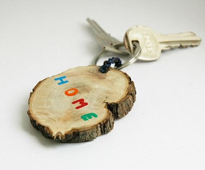 portachiavi-personalizzato-decorato-pezzo-legno-scritta-home-casa-fai-da-te-facile-veloce-idea-regalo-festa-del-papà