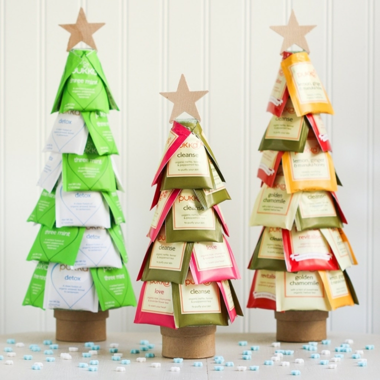 idee regali di natale fai da te, con delle bustine di thé e del cartone è possibile dare forma a degli alberelli