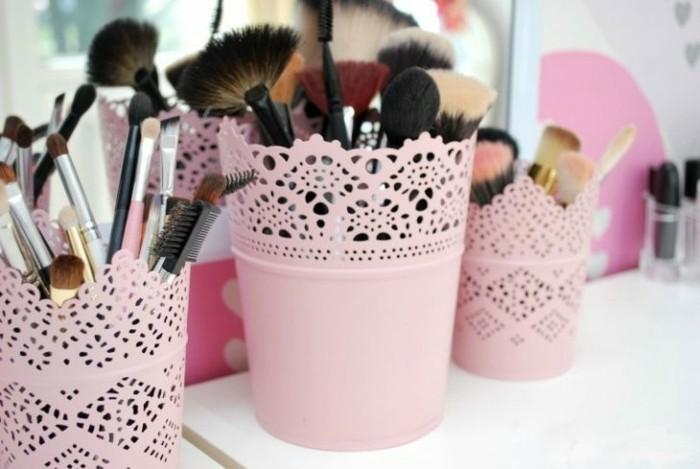 regalo-amica-speciale-porta-trucchi-pennelli-matite-varie-dimensioni-rosa-decorazioni-forma-pizzo