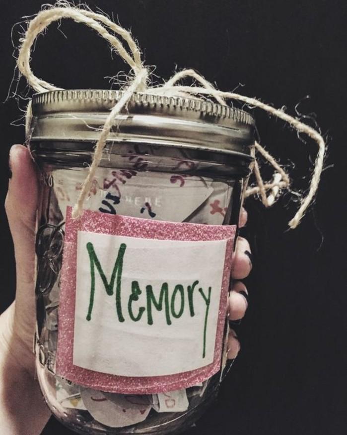 regalo-per-la-migliore-amica-vasetto-vetro-interno-ricordi-momenti-trascorsi-assieme