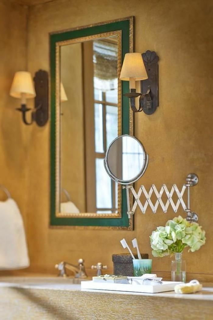 resina-bagno-color-ocra-specchio-rettangolare-due-lampade-applique-lati-specchio-lavabo