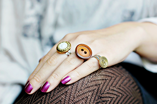 riciclo-creativo-fai-da-te-creare-gioielli-bottoni-legno-dipinti-lavoretti-creativi-diy