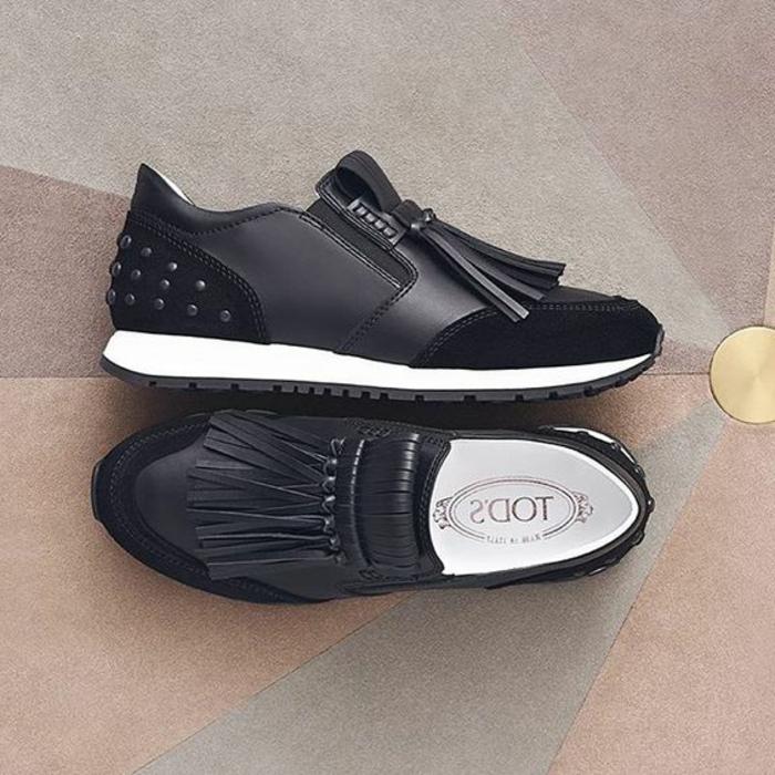 scarpe-casual-vera-pelle-marca-Tod's-fragietta-applicazioni-metallo-suola-bianca