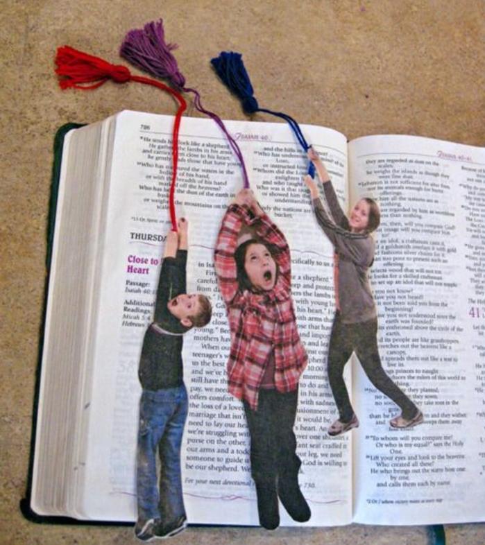 segnalibro-fai-da-te-foto-bambini-idea-regalo-festa-papà-fai-da-te-fili-colorati-libro-idea