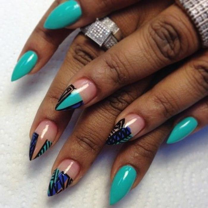stiletto-corto-decorazioni-manicurre-nail-art-disegni-vario-colore