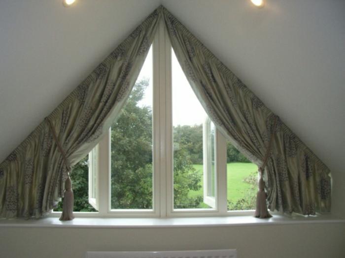 tende-in-mansarda-soluzione-finestra-spiovente-piccola-tessuto-oscurante-stile-retrò