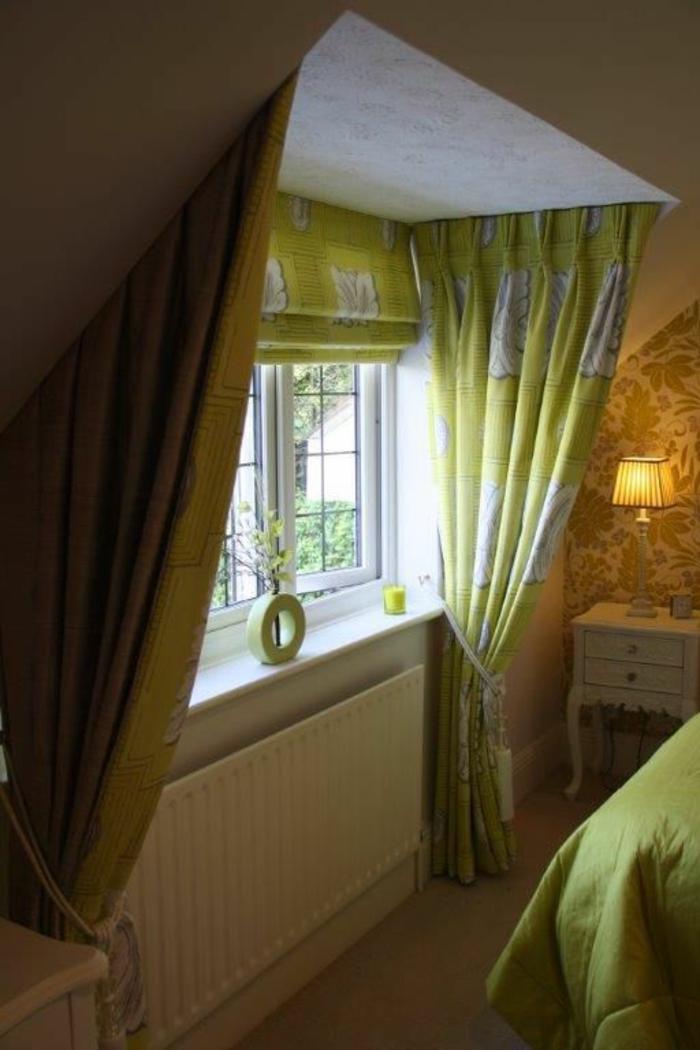 tende-in-mansarda-soluzione-più-elementi-cotone-verde-uguali-copriletto-stile-retrò