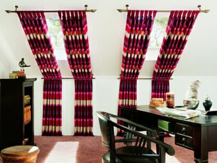tende-mansarda-doppia-proposta-bastone-cotone-righe-colori-vivaci-stanza-mobili-legno