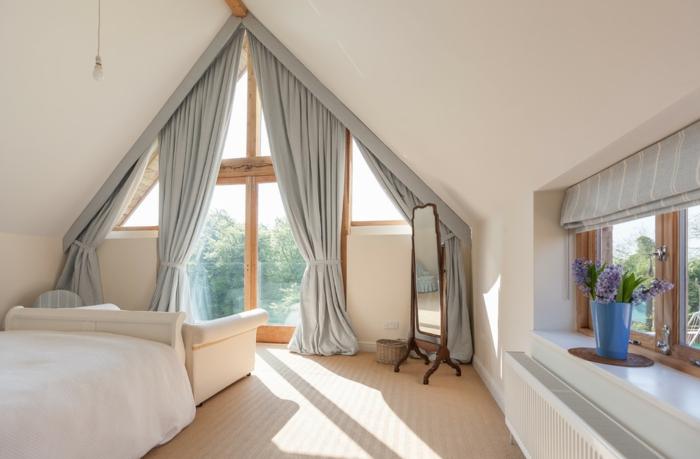 1001 idee per tende per mansarda per tutte le esigenze. Black Bedroom Furniture Sets. Home Design Ideas