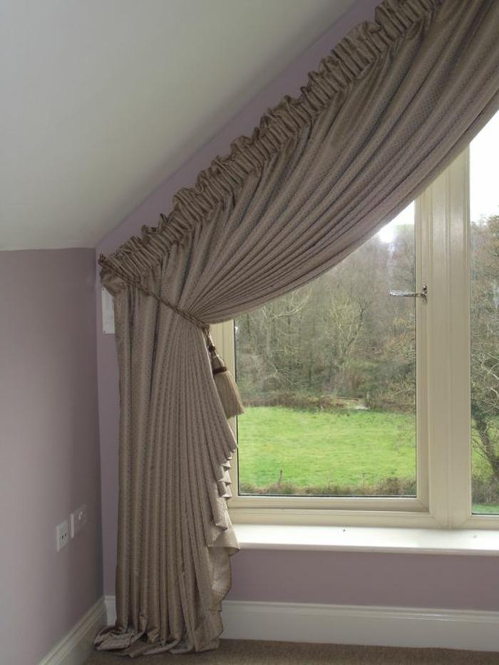tende-per-finestre-mansarda-proposta-elegante-raffinata-arricciatura-parte-superiore