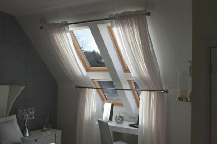 tende-per-finestre-mansarda-soluzione-tradizionale-bastone-tessuto-bianco-leggero-morbido