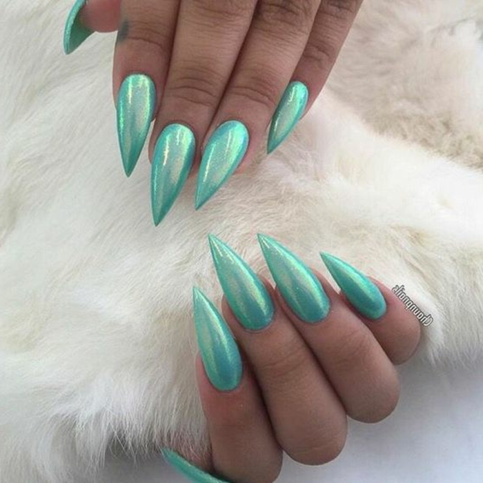 unghie-a-punta-smalto-verde-blu-glitter-speciale-forma-stravagante-artiglio