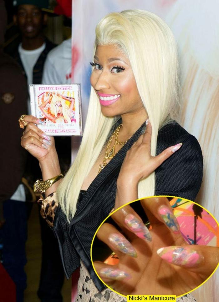 unghie-gel-Nicky-Minaj-colorato-forma-punta-base-rosa-idea-decorazione