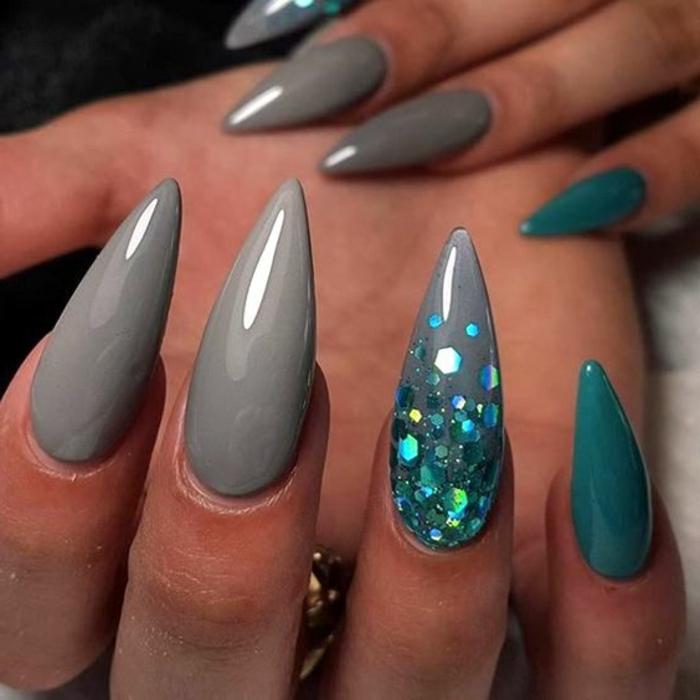 unghie-gel-a-punta-color-grigio-anulare-decorato-brillantini-glitter-forma-ad-artiglio