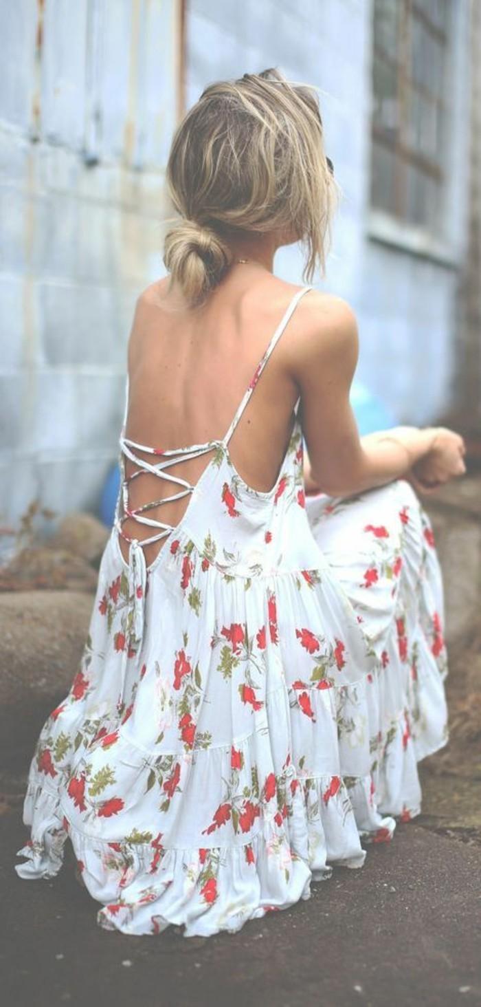 vestito-donna-motivi-floreali-estivo-schiena-scoperta-stile-boho-chic-capelli-biondi-ragazza