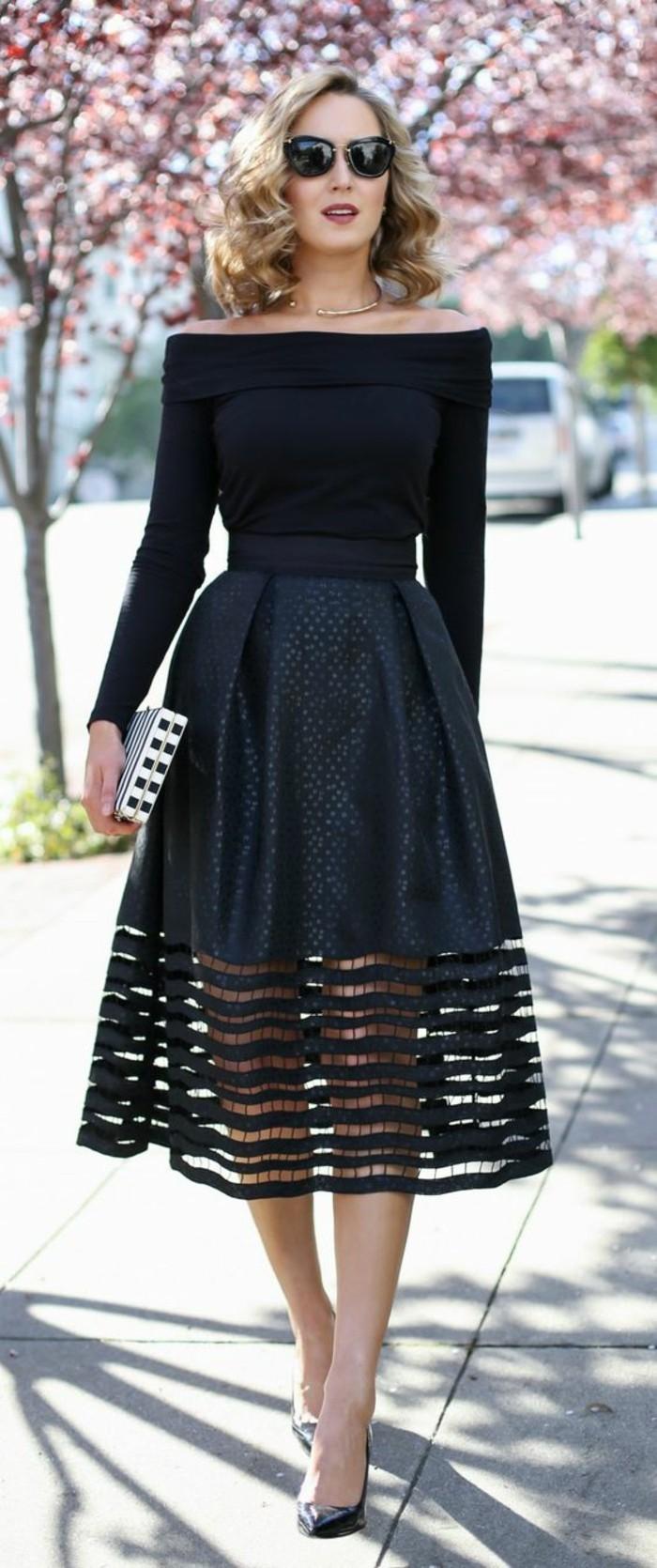 vestito-elegante-colore-bianco-manica-lunga-spalle-scoperte-abbinamento-scarpe-aperte-tacco