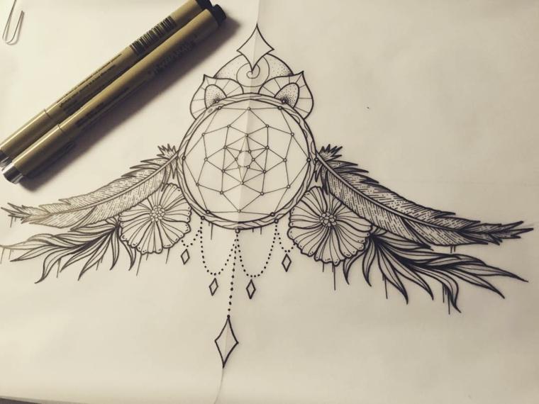 Disegni belli e un'idea per un tatuaggio acchiappasogni con piume e fiori