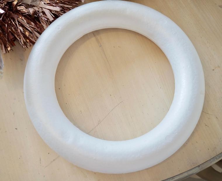 anello di polistirolo ghirlanda di colore rame corone natalizie fai da te