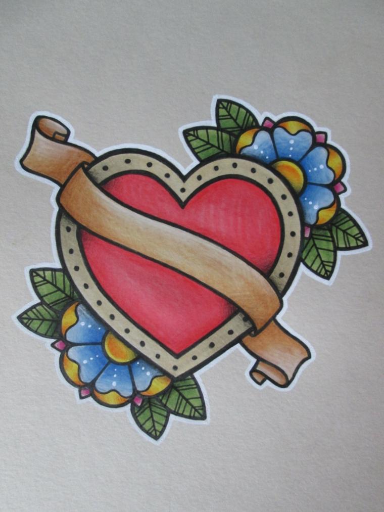 grande cuore rosso con una pergamena dorata e dei fiori blu e gialli ai lati