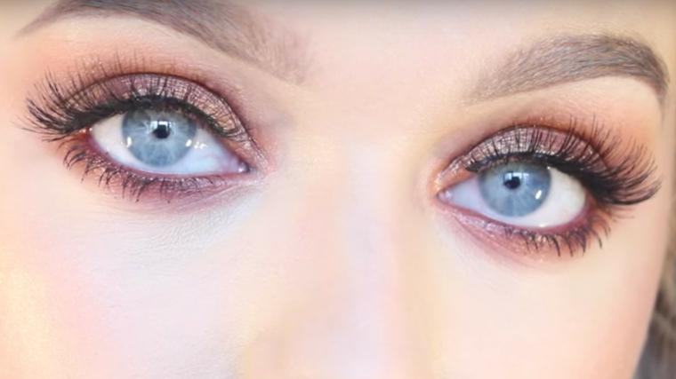 come si truccano gli occhi, una proposta per gli occhi azzurri con ombretto viola e rimmel nero