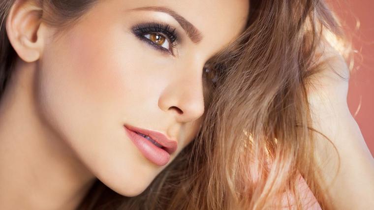 truccarsi gli occhi, una proposta ideale per allargare l'occhio e renderlo più seducente