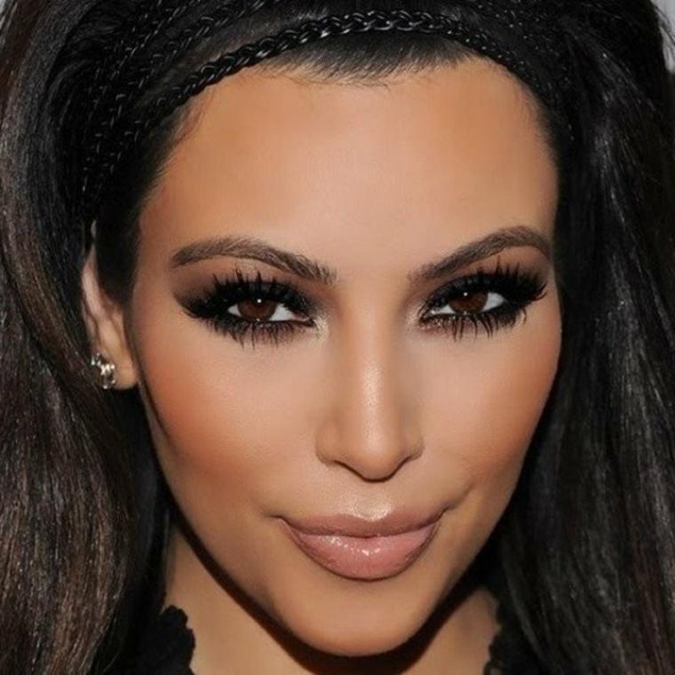 truccare occhi, un classico esempio di make up smokey ideale per ingrandire lo sguardo