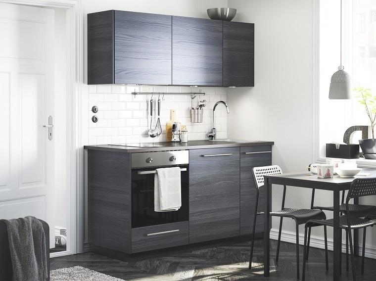 Molto idee cucine moderne ub32 pineglen for Arredamento per case piccole