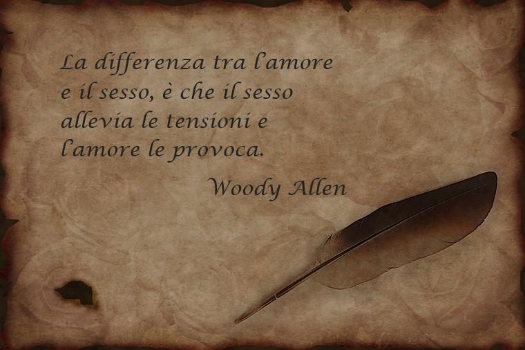 Citazione famosa di Woody Allen sull'amore e sulla vita, decorazione immagine con una piuma