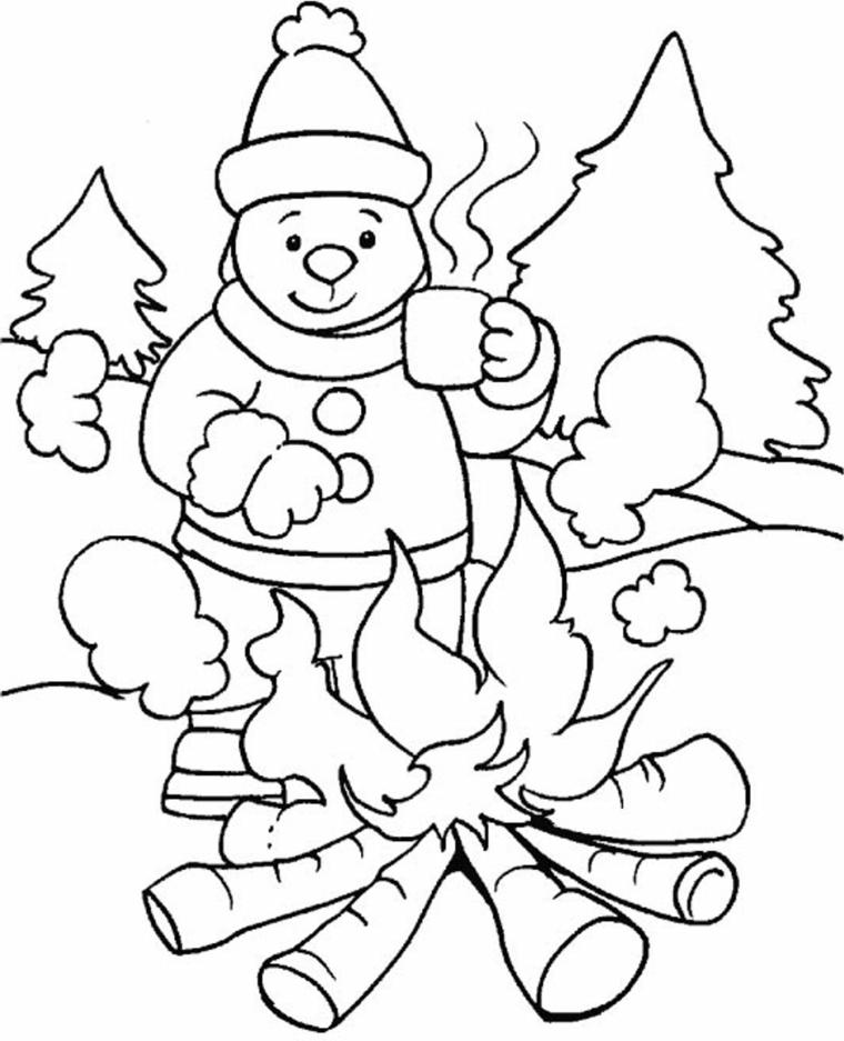 natale da colorare, un'immagine natalizia con un orsetto, il fuoco e gli alberi