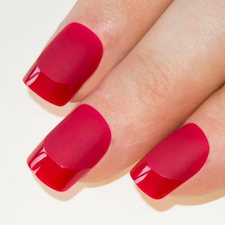 unghie rosse, una versione originale della classica french manicure