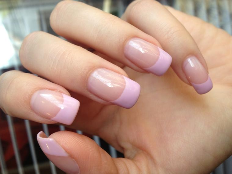 unghie rosa cipria, idea per creare una french manicure originale e romantica