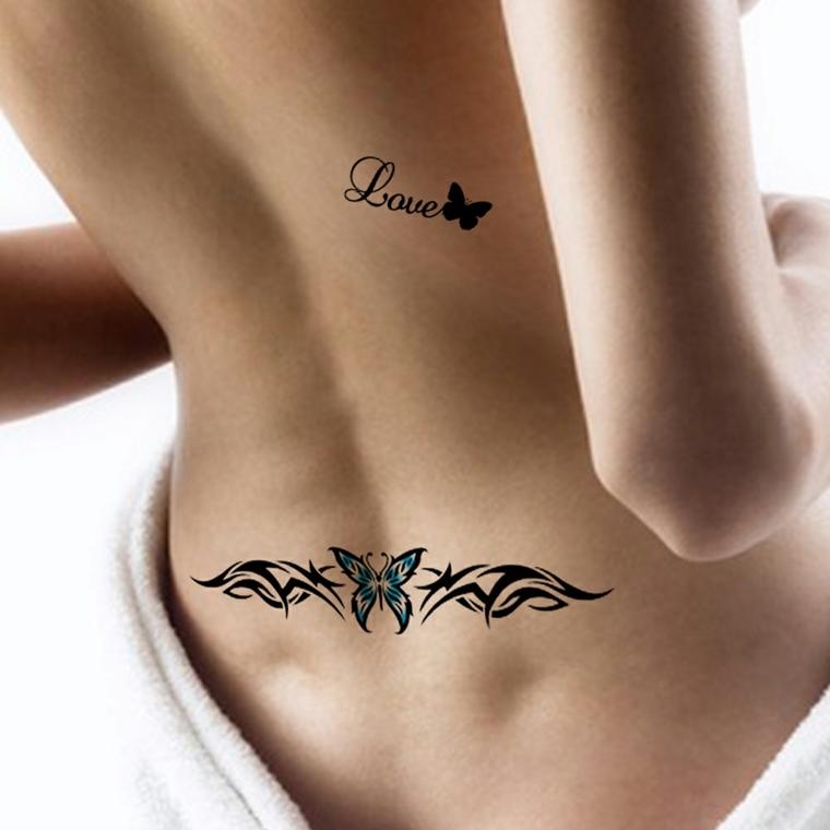 Tatuaggi scritte, idea per un piccolo tattoo donna con scritta Love e farfallina