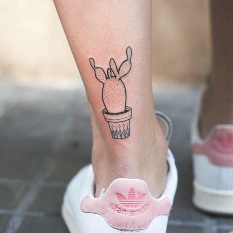 Scarpe da ginnastica Stan Smith colore rosa, disegno tattoo cactus, tatuaggi femminili
