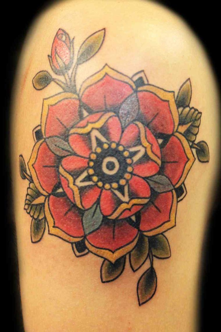 tatuaggio a forma di rosa mandala con i tratti e i colori tipici dello stile old school