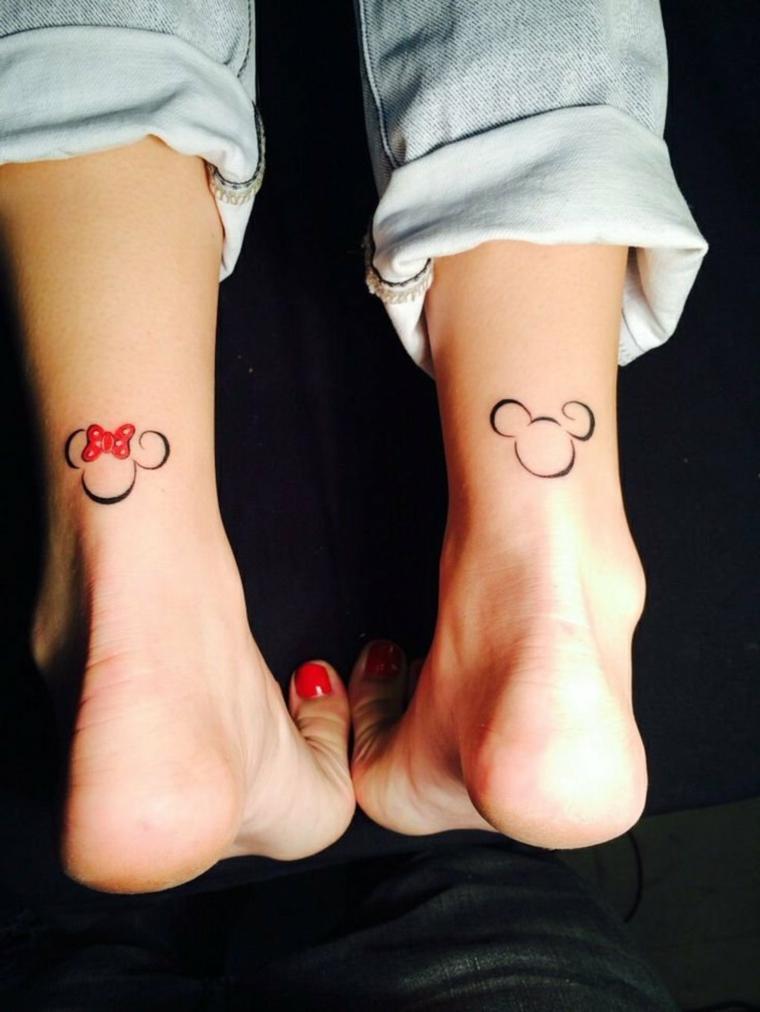 tattoo piccoli da fare sopra la caviglia, adatti anche alle coppie di amici o innamorati