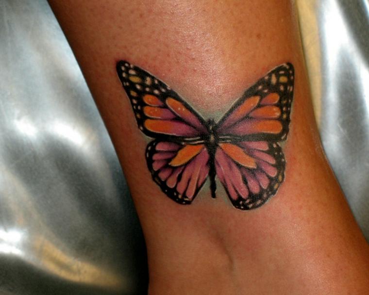 tatuaggi caviglia, una farfalla colorata con le ali aperte e i bordi neri