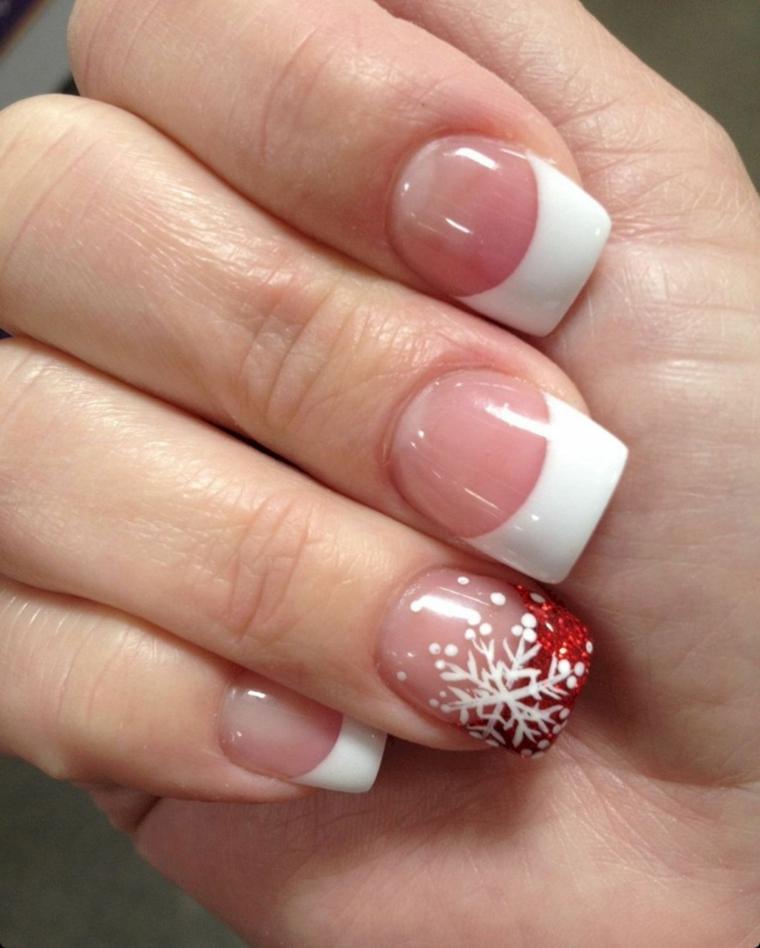 unghie decorate per natale con l'anulare con french rossa glitterata e fiocco di neve