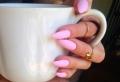 Unghie rosa: tutte le sfumature per una manicure romantica e seducente