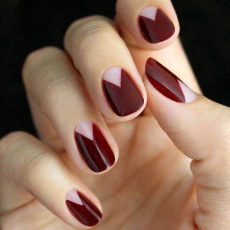 gel unghie rosso, una proposta realizzata con uno smalto tendente al bordeaux