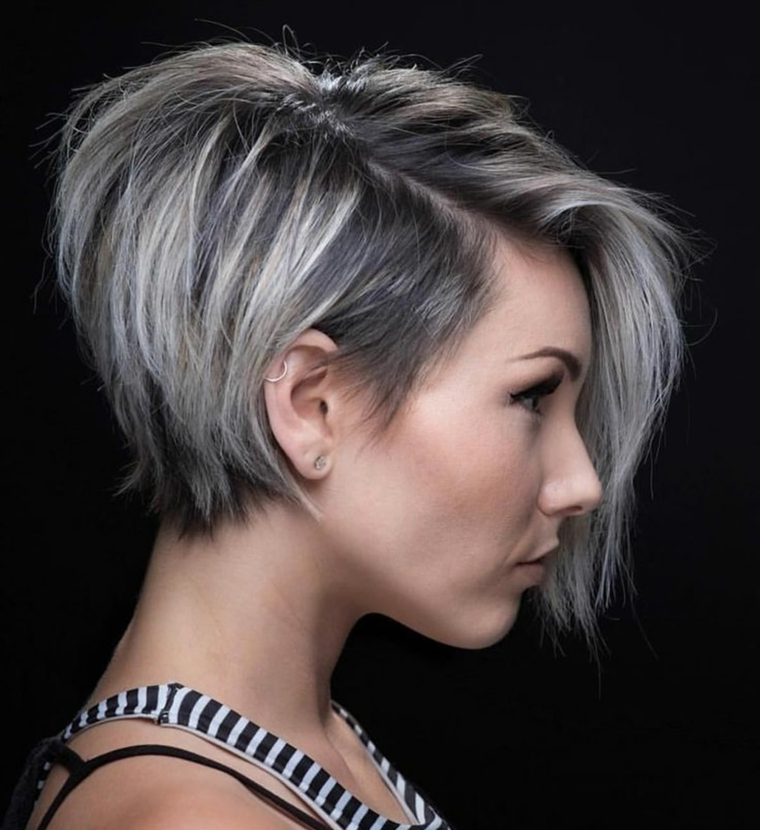 Tagli di capelli corti da un lato